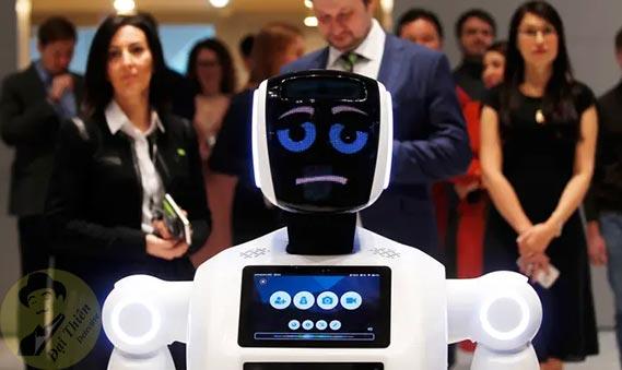 Robot kiểm tra phân tích người bị nhiễm Virus Corona ( Covid 19 )